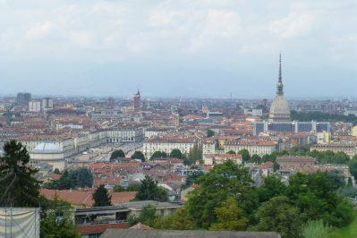 zicht op Turijn met toren Mole