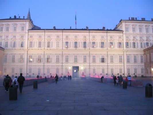 Turijn palazzo reale met luci d'artista